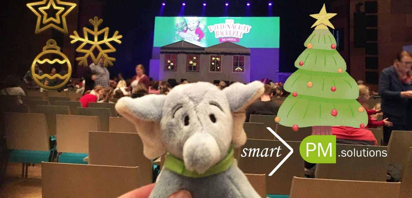 Smartofant at Christmas Play